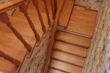 Фото лестниц из дерева